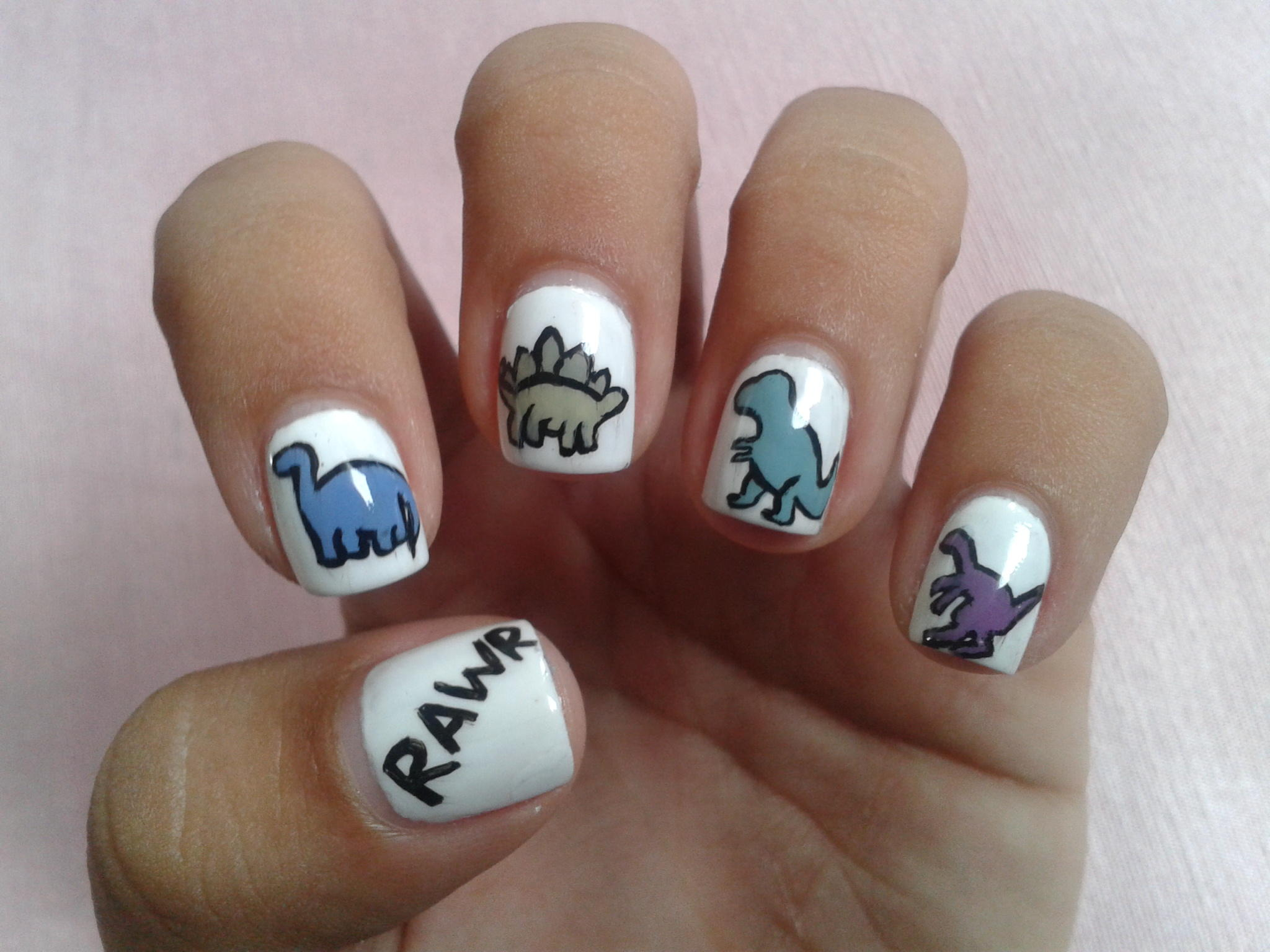 RAWR! Dinosaur #NailArt :D http://t.co/0VeOe4Gy