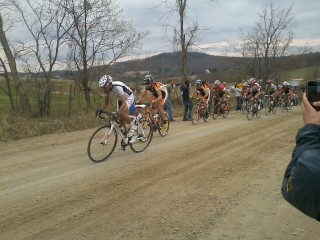 Front group at Battenkill http://t.co/4JJd3SV0