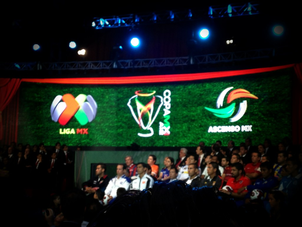 RT @tiburonesrojos: Los logotipos de la LigaMX, CopaMX y AscensoMX http://t.co/KrHAe4cE