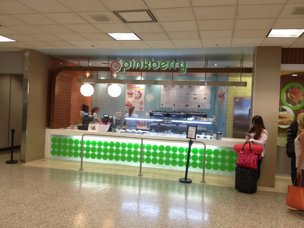RT @jmillerwrites: @35ratliff2012 @ssamanthaa Pinkberry deserted b/c everyone at my Ratliff rally. http://t.co/kfuiArcj