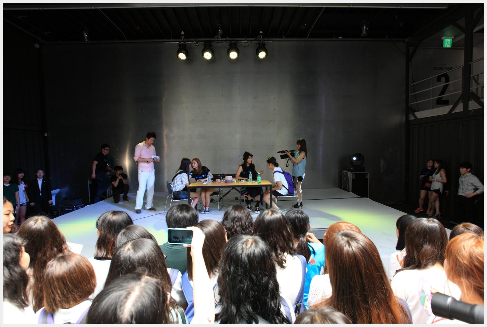 [FAN's Day] miss A - 'Fei & Suzy' in FAN's Day http://t.co/NSeNKLhY