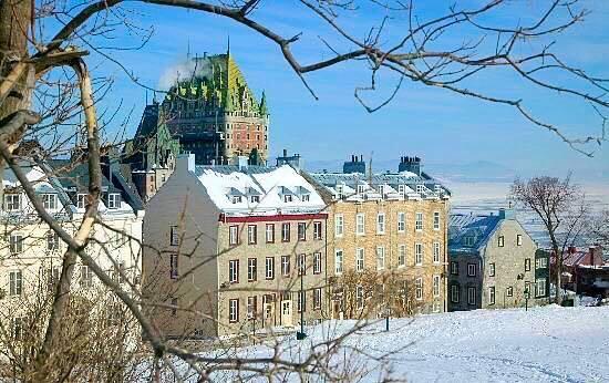 Une belle photo RT @SimonTresim37: Magnifique Vieux-Québec... http://t.co/EfSO5c4y2J