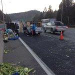 Camión cargado con choclos y melones volcó en la Ruta 68 http://t.co/jFZLXpU0yR http://t.co/p5MQwpiiKj