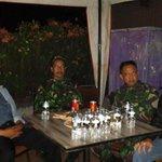 Aparat koramil 1812 dan polsek smr Bandung..gab jaga kawasan Braga @ridwankamil @RrRamdhan @DiskominfoBdg http://t.co/cnCmTPPb8y
