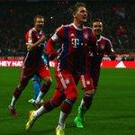 ¡Así nos gusta ver al dios del fútbol! ;-) @BSchweinsteiger delebrando el 110. #FCBayernLive #FCBKOE 2-0 (26) http://t.co/ZhBsa69Pc9