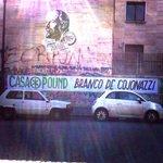 2/2 Dai muri di #Roma: #leganord e #casapound pagano pegno per le loro contraddizioni #MaiConSalvini #MaiConRenzi http://t.co/47ZEVjs6pH