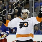 UPDATED: #Blackhawks acquire veteran defenseman Kimmo Timonen for draft picks: http://t.co/bSbX3TL2Sj http://t.co/AI23A20ba6