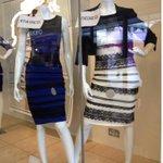 #الفستان الحقيقي معروض في احد المحال طلع فعلا ازرق واسود! #صباح_العربية http://t.co/VrKHA1C6Ry