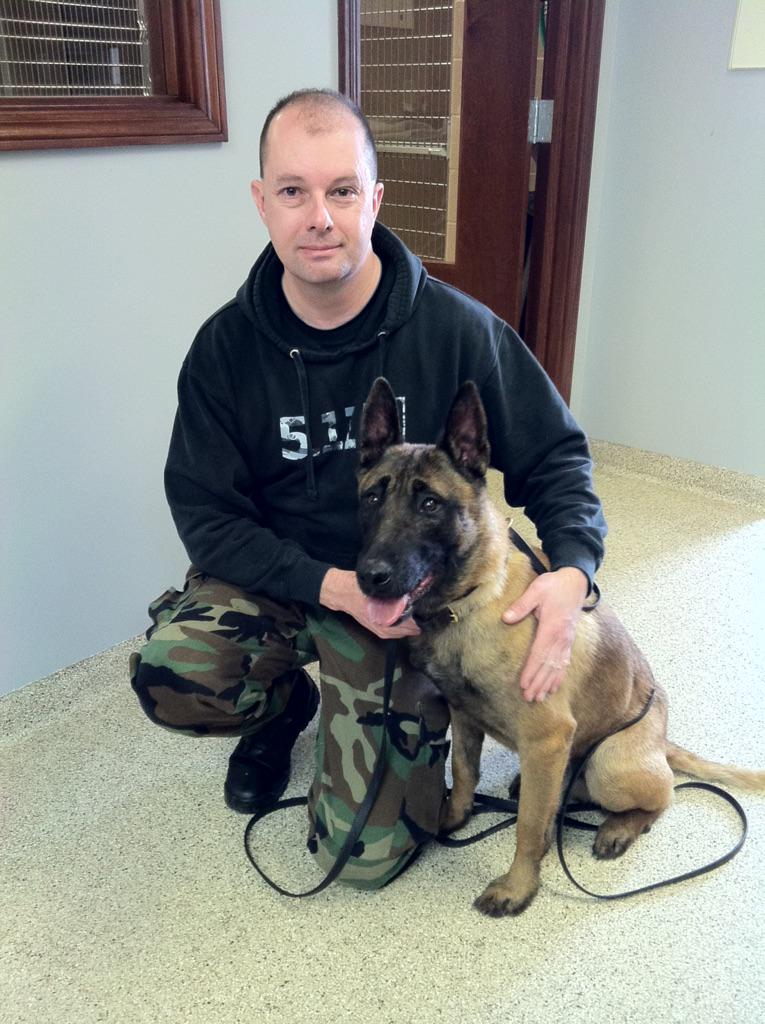 LOOK! The first official photo from #WilmingtonPolice of #K9Karson and his handler Officer Jerry Popp! @whiotv http://t.co/QlXz1Pxjxe
