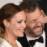 Leslie Mann & Judd Apatow may be the cutest couple of #Oscars2015 night: http://t.co/ZeaDEL9Eg6 http://t.co/aAsDO2Pp1k