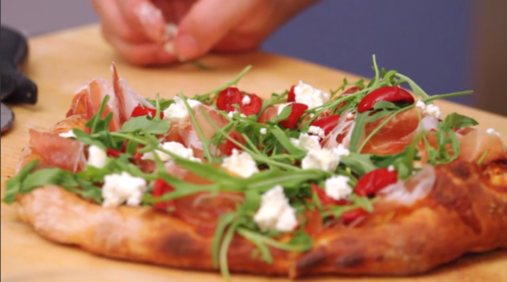 See how 11 time Champ @TonyGemignani makes his White Pizza http://t.co/zY5qJKf14m  via @thedailymeal @PeppadewFresh http://t.co/NNfzd9mTDa
