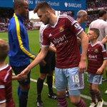 RT @BBCMOTD: We always love it when mascots bite back... #WHUMCI Watch: http://t.co/LuaY38A0hd #MOTD http://t.co/JEMmW1x9vV