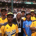 RT @littleleagueceo: With #LLWS layers JRW and Mone with Jackie Robinsons daughter Sharon at the @MLB #WorldSeries #LittleLeague75 http://t.co/K465pwl6Ji