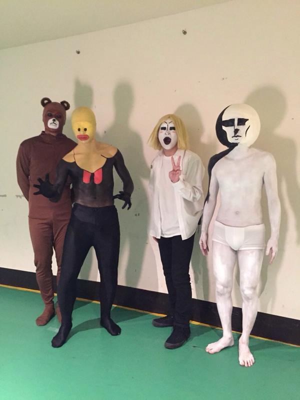 VAMPSさん主催のハロウィンパーティー in 神戸に出演してまいりました〜!  今回はLINEスタンプのキャラクターの仮装をしました。仮装ってこういうことだっけ。みなさまお疲れ様でした! http://t.co/mJHG9RtAkV