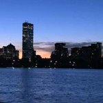 RT @JennyWCVB: Cold but still gorgeous! Good Monday morning, #Boston! @DanielleVollmar has your forecast update next! #WCVB http://t.co/RXXGQeKLul