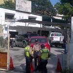 ¡GRITEMOS PATRIA! #INSÓLITO: Someten a 12 policías y se roban armas de la sede de la PNB :: http://t.co/zklDhhc3K0 http://t.co/serUHwfyFU