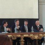 Hoy tengo el orgullo de presentar en @LegisCABA a @cuervotinelli como Personalidad Destacada de la Cultura! http://t.co/LPUvGH7cT8