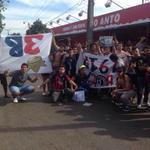 Banderas de cabeza en señal de duelo por el asesinato de un joven hincha del club Cerro Porteño. Despiden a Alexis http://t.co/ImutCMQda7