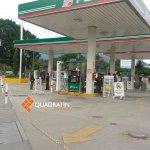 La gasolinera de Fonapas vacía por bloqueo de profesores http://t.co/N3zA361jzc
