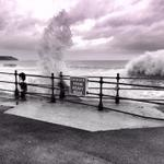 """RT: """"@msbeps: Amazing seas at North Bay this afternoon @Scarborough_UK http://t.co/D4gK63xlWb"""""""