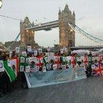RT @YoSoy132Londres: Hoy nos indignamos en el Puente de Londres porque #AyotzinapaSomosTodos #EPNBringThemBack ¡JUSTICIA! @Desinformemonos http://t.co/9KnUF1ZU8e