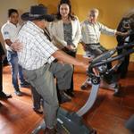 """RT @anagarciacarias: En el centro """"Mis Años Dorados""""en #Guatemala,los abuelos en situación de pobreza reciben terapia física @JuanOrlandoH http://t.co/p4VPn0L6eL"""