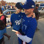 RT @EliKMBC: LOVE IT: #NoahWilson ALL smiles as he heads into #WorldSeries tonight. Got tics from @MLB/@JoeTorre. #TakeTheCrown http://t.co/y6xMF7HqHP