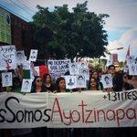 El grito sigue siendo el mismo: ¡Vivos se los llevaron, vivos los queremos! #TodosSomosAyotzinapa http://t.co/AGxVKrAcCp