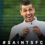 PHOTO: @SchneiderlinMo4 was all smiles during training yesterday. #saintsfc http://t.co/oUuO7Bu2FY
