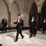 RT @stphnmaher: Spontaneous applause in Hall of Honour from assembled staffers for Kevin Vickers, today with sword. http://t.co/zA4pqqAjeG