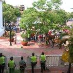 Carremuleros protestan de manera pacifica en la plaza Alfonso Lopez. Exigen presencia de @FredysSocarrasR http://t.co/GWEhojYH52