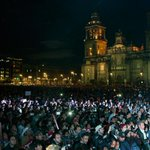 Iguala arde y 110 ciudades protestaron por normalistas. La consigna: #AyotzinapaSomosTodos   http://t.co/vwxySSyshb http://t.co/jkLKB4Iton