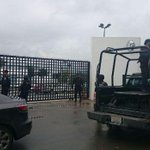 RT @mmdeportesmx: IMÁGENES: Suazo arremete contra aficionados de #Rayados http://t.co/sczdxefYV5 http://t.co/jVFrzni2KI