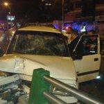 Un hombre fue llevado por @Bomberos_Cuenca , se espera arribo de otra ambulancia al sitio de accidente http://t.co/k4yJOhiqxt @cronicacuenca