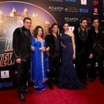 RT @MoviezAdda: @iamsrk with his @HNY team for world primiere at #Dubai http://t.co/SWLAh8whI5
