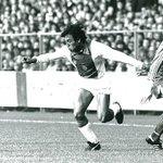 #AjaxKalender: Simon #Tahamata maakte op 24 oktober 1976 zijn debuut in #Ajax 1. Hij kwam tot 149 officiële duels.