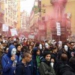 RT @cau_napoli: Studenti e lavoratori #contro il governo #renzi e le sue politiche di #sfruttamento!#Napoli #24O http://t.co/GEMfGKwx7T