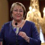 """""""@Cooperativa: Bachelet recibirá Collar de Carlos III en España http://t.co/vla9TyBfe4 http://t.co/c9jNQ3buj5""""...Mejor ponganle un BOZAL"""