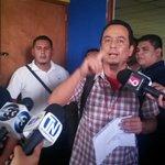 Empleados municipales de la alcaldía de Mejicanos exigen que se les pague el salario atrasado. Foto J. Funes http://t.co/GpIvqL4n86
