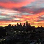 RT @MattBarkley: Unbelievable sunset tonight looking over the Philly skyline, no filter needed! http://t.co/CSMLfq26hc