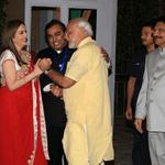 Hon PM welcomed by Smt Nita Ambani, Chairperson Reliance Foundation and Sh Mukesh Ambani #RespectForLife #MediaPhoto http://t.co/Pd54WO2ctj