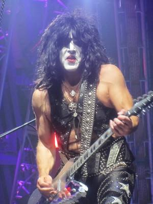 KISS Live In Las Vegas Concert Review http://t.co/UK1CyF4Yv5 @KISSOnline @PaulStanleyLive http://t.co/mCNI5CyLdJ