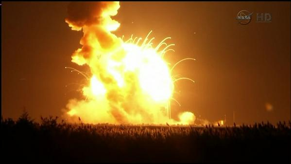 #BREAKING:  Antares rocket just launched by #NASA exploded on launch. http://t.co/4DodXHFk2s http://t.co/YEfb7INw6U