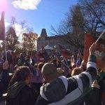 Au rassemblement du #frontcommun devant l#assnat pour une négociation juste et de bonne foi #servicespublics #polqc http://t.co/OPTpiPVoC1
