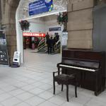 More railway stations should have a Piano! This is in #sheffieldissuper train station http://t.co/2YUEzkh63v