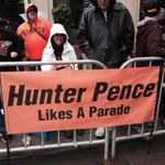 An homage to one of the most popular @SFGiants, photo by @jilltucker. #SFGParade #HunterPenceSigns http://t.co/PsR4nH3cjF