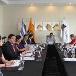 #CorteConstitucional decidió: No habrá consulta popular por reelección indefinida. http://t.co/g4UBpL3O0s http://t.co/6DkFWvUE1f