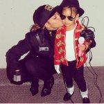 Queen be et blue trop cute ,elles se sont déguisé en Michael et Janet Jackson pour halloween ???? http://t.co/8kHmm6tA65