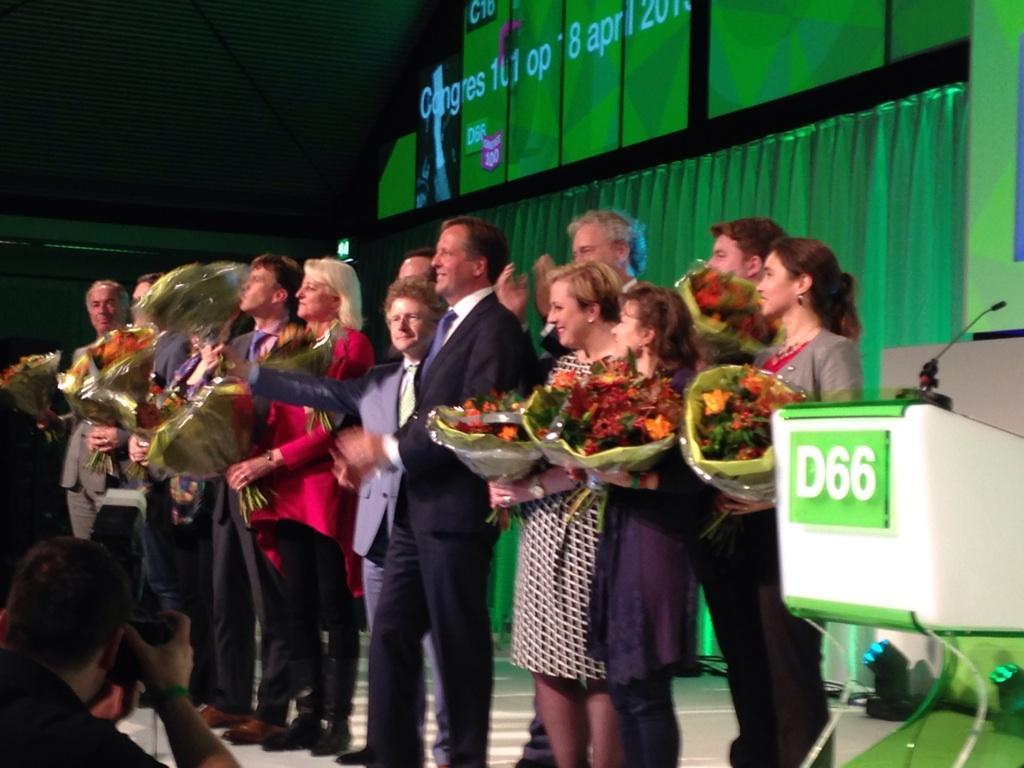 op naar PS en EK verkiezingen met lijsttrekkers #D66 #nuvooruit #C100 http://t.co/aL4cpmx8Pl @AnneMarieD66 #D66Brabant Rechts vooraan