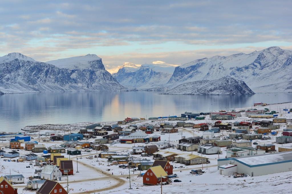 #PicotheWeek: David Kilabuk snaps a stunning image of Pangnirtung, Nunavut. Share w/ fellow lovers-of-the-north! http://t.co/jTVX3dRO8M